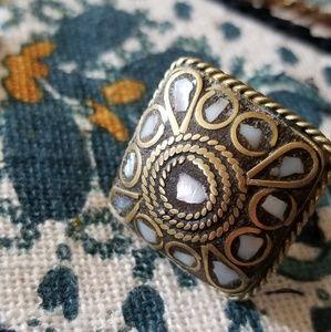 Jewelry - Brass Inlay Abalone Ring